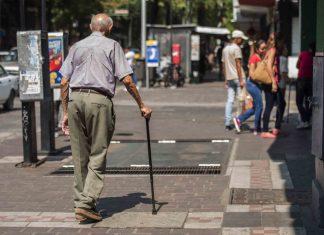 Dispositivo para cuidar a adultos mayores