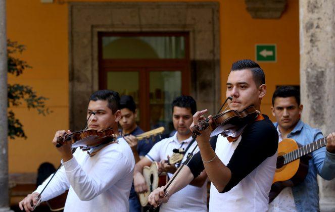 Mariachi Universitario del CUAAD. Fotografía: Adriana González