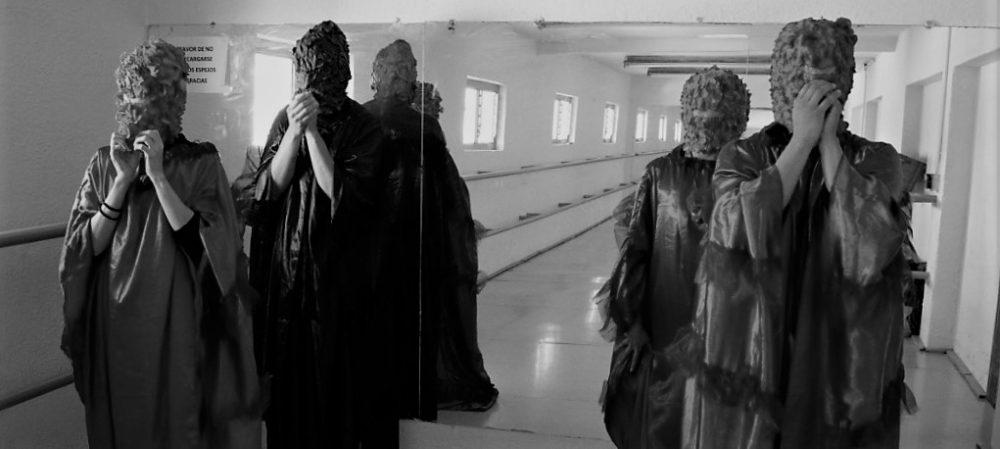 """Colectivos al Atardecer, se presenta en Teatro Experimental de Jalisco. """"Eclosión"""", por Colectivo Arena"""