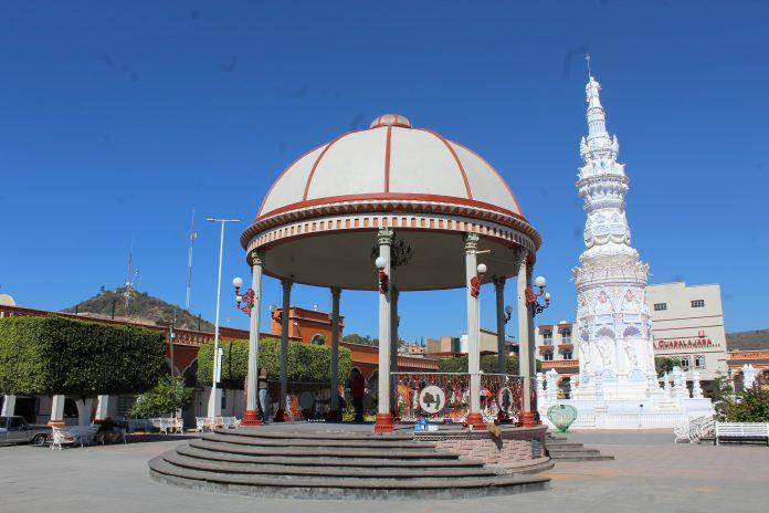 Plaza principal de Jamay. Fotografía: Iván Serrano Jauregui