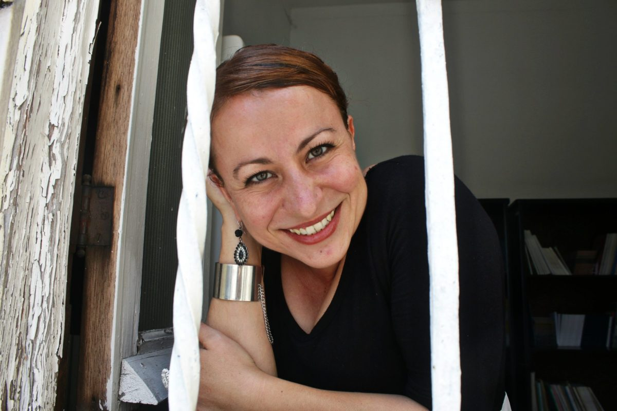 Cecilia Magaña, escritora