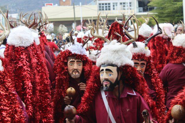 Fiesta de San Sebastián con chalacayotes en Tuxpan. Fotografía: Iván Serrano Jauregui