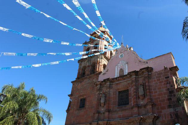 Parroquia de Santiago Apostol, de de Ameca. Fotografía: Iván Serrano Jauregui