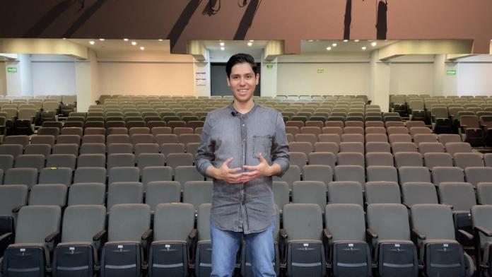 Alan Gutiérrez, egresado del CUAAD, creador de Voy Al Teatro